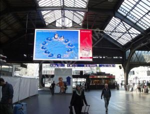Commerce de gros Indoor P4.75 Seul le défilement du message d'affichage à LED rouge