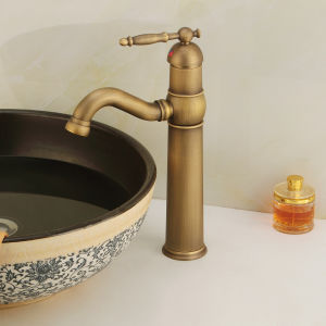 Waterfall Spout (6631)の単一のLever Bathroom Basin Faucet