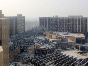 高層鉄骨構造の可動装置の病院