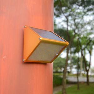 屋外のパスLEDの太陽壁ライト