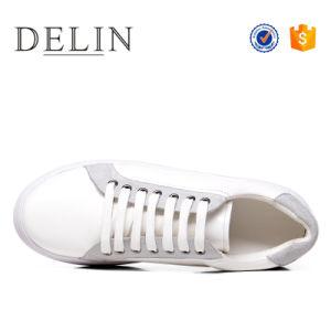 人のための新しいデザイナー偶然のブランドの平らな靴