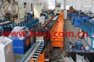 Stahlineinander greifen-Weg-Vorstand mit Haken für das Baugerüst, das Maschine herstellt