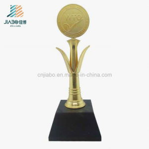 高品質の鋳造の金属は記念品の装飾カスタムWTOのトロフィを制作する