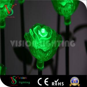 La decoración exterior de las luces LED de flor rosa