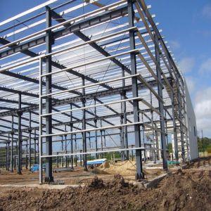 Pre-Engineered Prefabricados de estructura de acero de construcción con paneles sándwich aislantes
