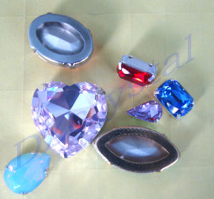 Parels van de Kleding van het Punt van het kristal de Achter met het Plaatsen van de Klauw van het Metaal