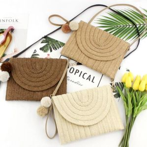 As mulheres de estilo de moda bolsas de palha