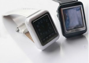 AK08 Mobiel horloge