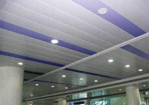 Bande linéaire en aluminium des panneaux de plafond (XSC004)