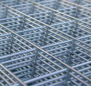 ケージのための電流を通された溶接された網パネル