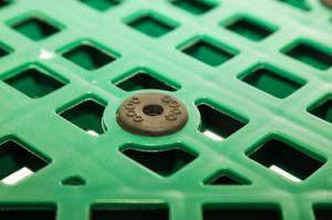 3 Calhas de serviço pesado de baixo e decks fechado de plástico vazios