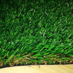 Tappeto erboso artificiale della moquette falsa ad alta densità dell'erba del campione libero