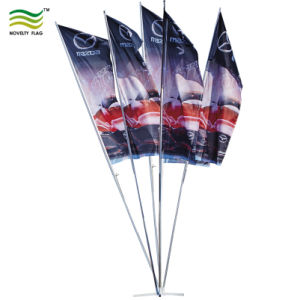 4명의 폴란드 및 5개의 폴란드 주문 폴리에스테 다발 깃발