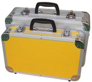Boîtier aluminium pour les instruments médicaux avec de la mousse bleue de découpage