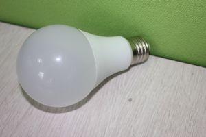 9W E27 A60 12W lâmpada LED