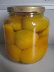 La nourriture en conserve pêche jaune dans un sirop léger (BRC HACCP ISO IFS FDA QS cachers)