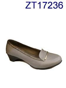 Mode de vente chaude simplifier Bottes Chaussures femmes matures 80