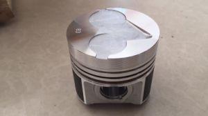 Kubota 피스톤 1g770-2111 D772 D1105 V1205 V2003 소용돌이 피스톤 V1505 V2203 엔진 부품 발전기는 굴착기 부속을 분해한다