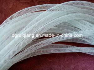 La decoración de compensación de malla de polipropileno cinta tubo flexible
