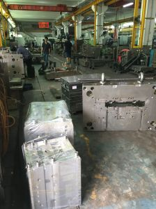 Molto parti di plastica dello stampaggio ad iniezione di alta qualità
