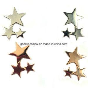 La luz aretes de oro con forma de concha (E6844)