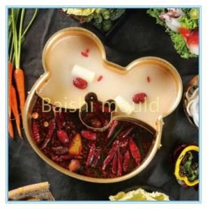 パンダの鍋か熱い鍋または炊事道具または金属のデッサンは停止する