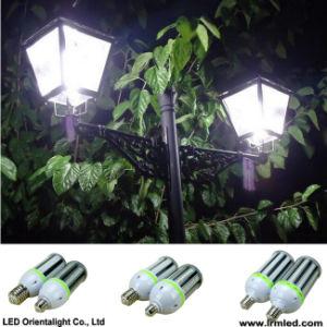 LEDのポストの上の庭ランプ54W LEDのトウモロコシライト