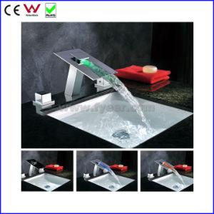 中国の油圧3つのカラー二重ハンドル真鍮LEDの洗面器の蛇口(FD15102F)