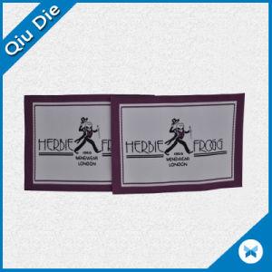 Una alta densidad Etiquetas tejidas para ropa para niños