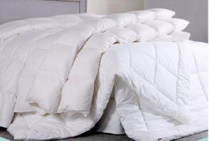Microfiberの標準的な洗濯できる羽毛布団/キルト/慰める人