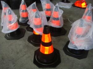70cm réfléchissant en caoutchouc de cônes de circulation (CC-A12)