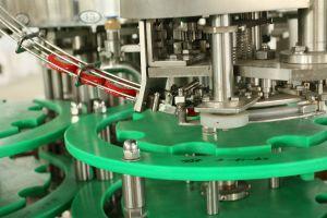Automatische Vloeibare het Afdekken van de Wasmachine van het Bier van de Fles van het Glas van het Sodawater het Vullen Machine