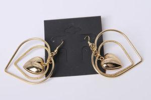 Gli orecchini di modo con cuore incanta il colore dell'oro placcato