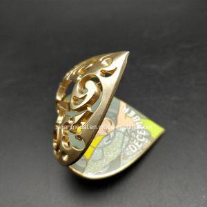 カスタム金のハート形の柔らかいエナメルの金属のブローチの写真フレームのかわいいクラフト