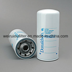 Girar o cartucho do filtro de óleo do filtro de combustível Donaldson P550202