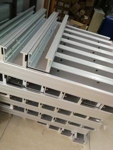 La impermeabilización de las inundaciones de la barrera de la puerta de aluminio con goma Volver