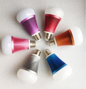 Großhandelsintelligente LED Beleuchtung des aluminium-8W E27 RGB, die energiesparendes intelligentes WiFi Birnen-Lampen-Licht 220V unterbringt