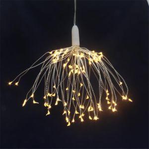 ハングのStarburstはクリスマスのためのリモート・コントロールの120のLEDストリングライト花束の形の花火ライトをつける