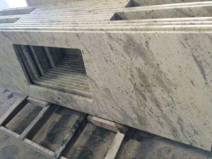 Countertop van het graniet door Andromeda White voor Keuken en Bad