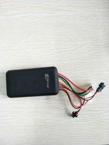 La voiture un GT06A BATTERIE VEHICULE ELECTRIQUE Electric Motorcycle Localisation GPS tracker Alarme antivol bidirectionnelle