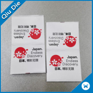 Sin MOQ Centro Pliega la impresión de etiqueta para las prendas de vestir