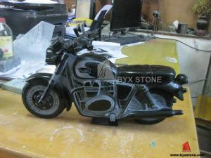 Het Snijden van de Motorfiets van het graniet voor de Decoratie van het Huis