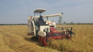 ムギのための農業のコンバイン収穫機4lz-4.0eか米または大豆またはトウモロコシ