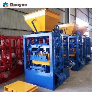 O Qt4-24 Máquinas de bloco de concreto de cimento no Togo