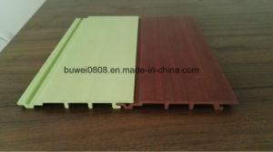 Panneaux muraux en bois composite en plastique avec des tailles standard
