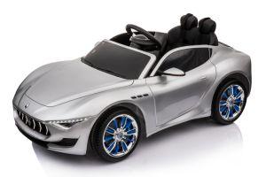 L'automobile elettrica dei giocattoli del bambino di Maserati Alfieri ha conceduto una licenza a con RC