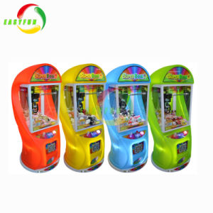 2018 Super colorida Electric Box 2 Niños Muñeca de juguete de regalo dulces mini máquina de garra grúa