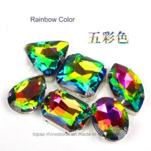 Het In orde maken van de Diamant van de regenboog naaien de Knoop Geparelde Juwelen van het Bergkristal op de Parels van het Kristal (sW-Regenboog)
