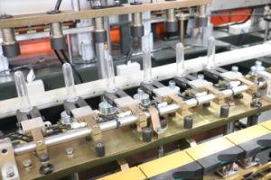 A nova 6000bph máquina de moldagem por sopro de PET