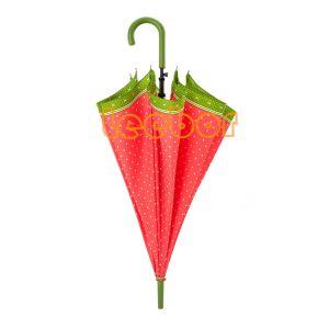 ハンドルが付いている長い赤くおよび黒いカラー雨まっすぐな傘